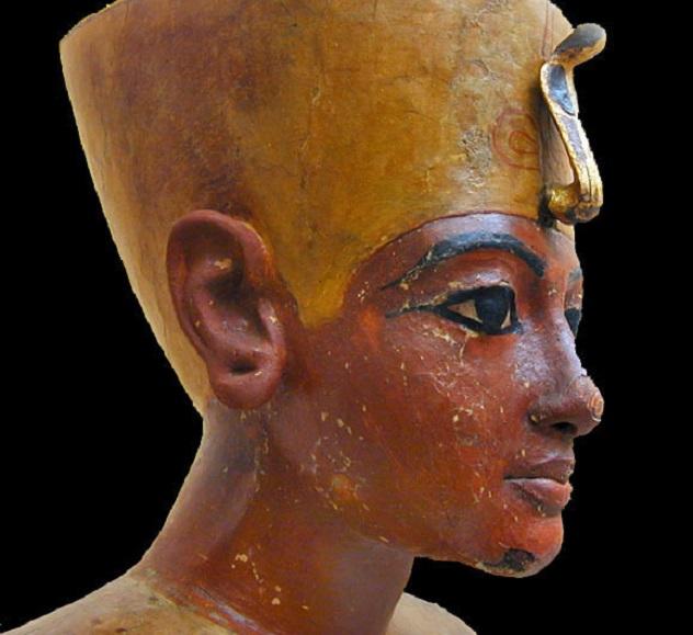 Тутанхамон умер молодым.